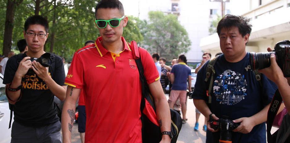 中国羽毛球队出征里约奥运会 林丹气场十足