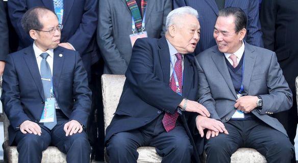 第十届中国足球协会第三次会员大会在武汉举行