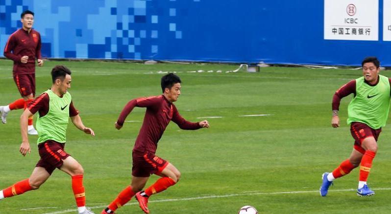 钱柜777唯一平台男足选拔队在武汉备战东亚足球锦标赛