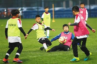 武汉足球青训模式可借鉴:外教既教学生又教教练