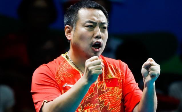 """乒乓世界杯团体赛开战 """"不懂球的胖子""""任解说"""