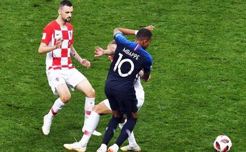 世界杯决澳门威尼斯人注册判罚引争议 贝利再赞姆巴佩