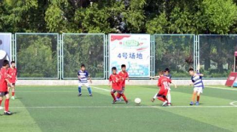 足球小将山东烟台角逐全国少儿足球邀请赛