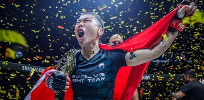 熊竞楠击败最强挑战者 五次卫冕世界格斗冠军