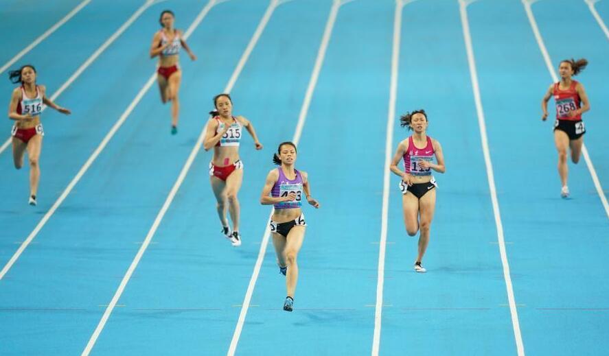 莫家蝶获二青会体校甲组女子400米冠军
