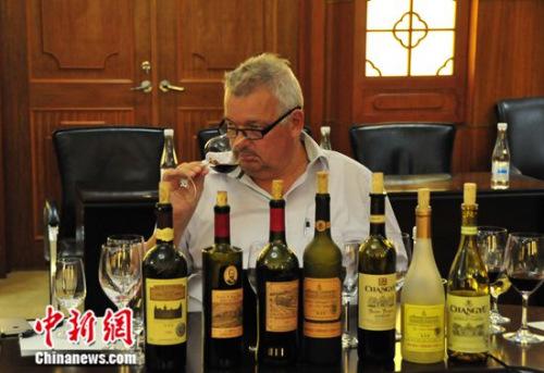 瑞士酒评家勒内•加布里埃尔给解百纳打高分