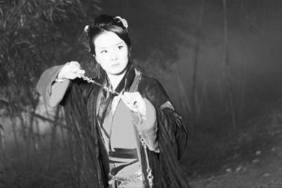 王艳/豪门少奶王艳自曝复出内幕 不反对儿子进娱乐圈
