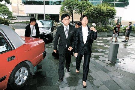 谢霆锋家中约见律师近4小时律师拒透露离婚条件