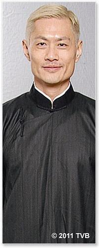 饰演30岁的议长贴身保镖霍