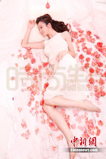 孙菲菲梦幻写真犹如仙子 眼神清澈心生爱怜(组图)(2)