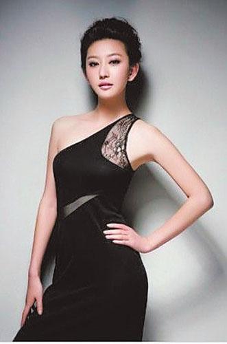 唐一菲穿紧身裙证未怀孕 盼做好妻子好儿媳(图)