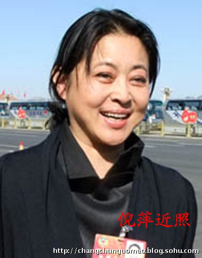 53岁倪萍清纯旧照曝光 与如今判若两人(图)