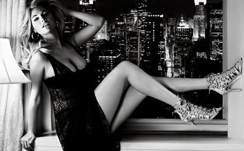 凯特/近日,90后超模凯特·阿普顿拍摄全新写真大片,写真中的凯特·阿...