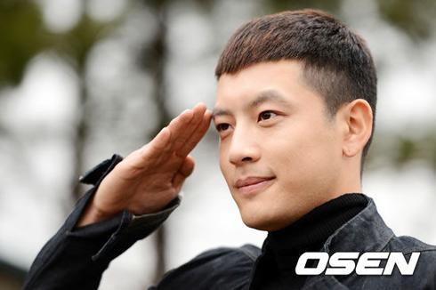 韩国 se7en/中新网4月24日电据韩国《朝鲜日报》消息,歌手Se7en于上月19...
