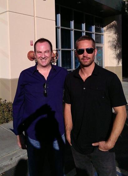 演员范·迪塞尔在网上上传与保罗合照