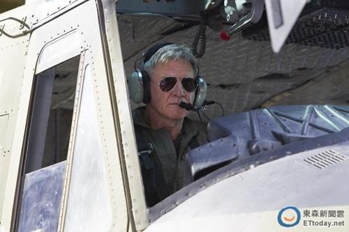 哈里森·福特坠机前求救被拒:机场跑道不够用(图)