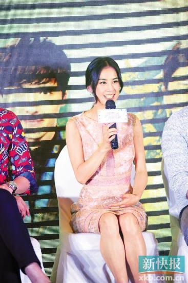 黄圣依谈杨子:他能够顾及的一定都会照顾(图)