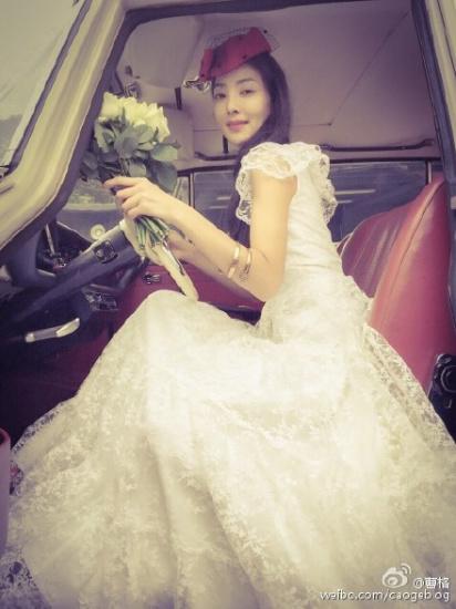 曹格与爱妻补拍婚纱照吴速玲气质出众漂亮大方