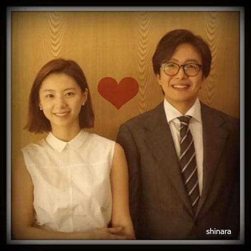 裴勇俊公开与朴秀珍亲密照前往礼堂大呼紧张激动