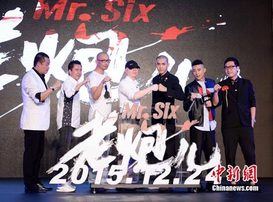51馮小剛當演員演技獲贊 自稱未來依舊當導演(圖)