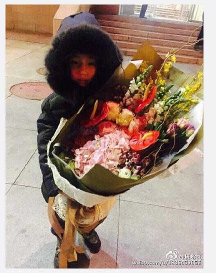 【爆料】林永健首带儿子看歌剧 爱子执意献花给女演员