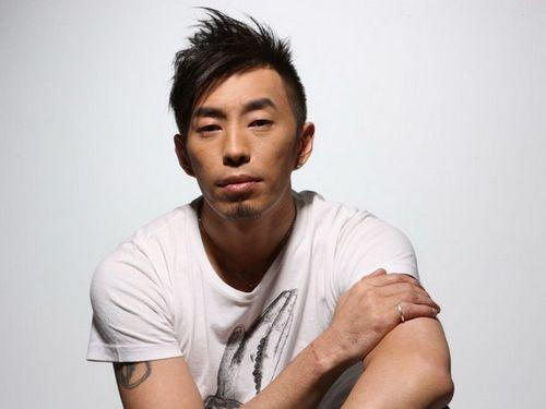 [明星爆料]40岁台湾艺人邹少官去世 曾参演电影《古惑仔6》