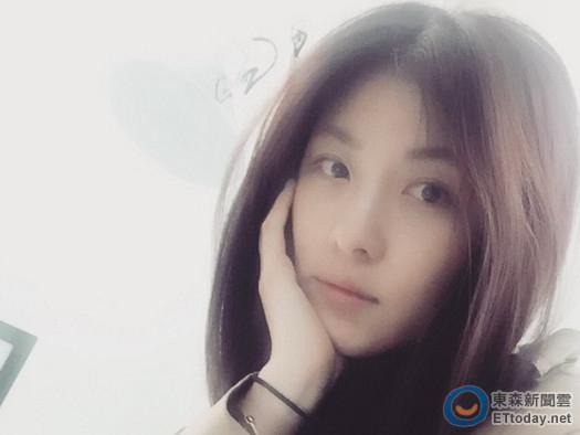 [明星爆料]父亲离世出殡 韩星河智苑:当天曾听父亲说胸闷(图)