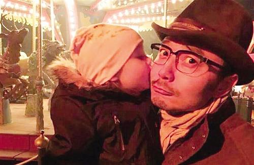 [热点新闻]杨乐乐自曝儿子调皮 弄坏老公汪涵多件收藏品