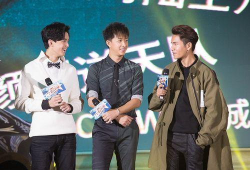 [热点新闻]众星玩游戏笑料十足 陈坤、吴磊猜词心有灵犀