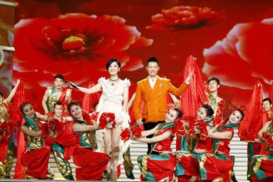 [热点新闻]凤凰传奇加盟安徽卫视春晚 将首度演唱神歌(图)