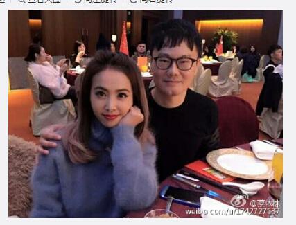 蔡依林参加尾牙晒美照网友:18岁的少女(图)