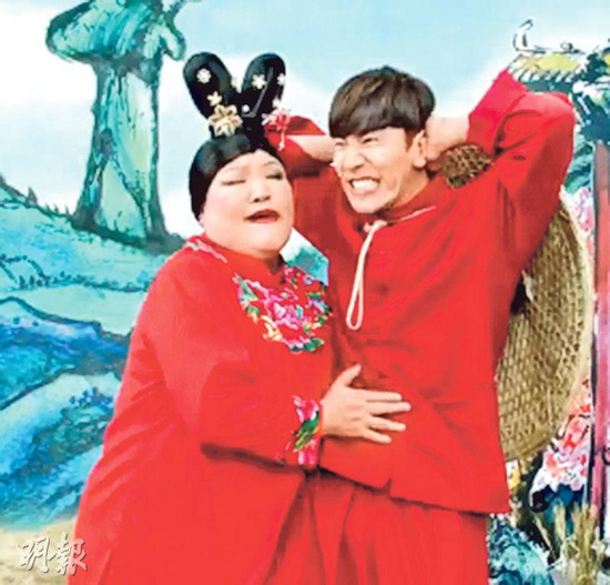 韩星李光洙穿红衣服扮船夫洋装气愤紧握拳头(图)