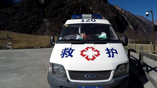 《怒放霸王花》片场出现救护车网友:太拼了