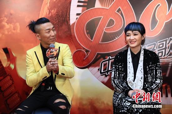 [热点新闻]陈羽凡带伤录制《中国好歌曲》:年轻时喜欢范晓萱