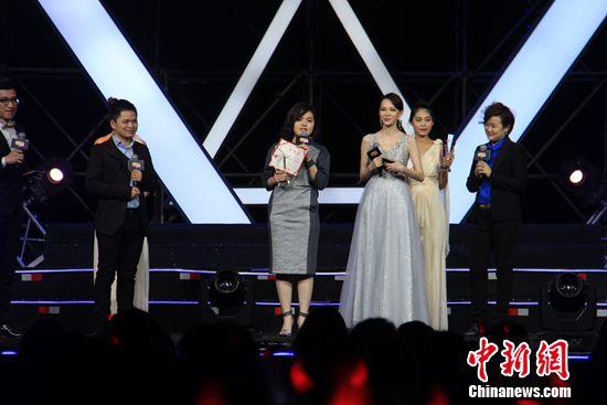 [热点新闻] 何炅、谢娜加盟唱吧 变身明星投资人(图)