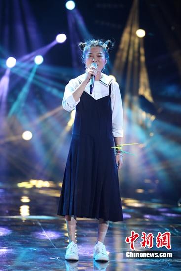 [热点新闻]苏运莹登《歌手4》踢馆 唱《野子》获李玟欣赏(图)