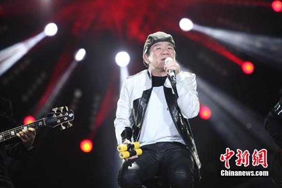 [热点新闻]《歌手4》赵传临场换歌 致敬老鹰乐队主唱格列弗雷