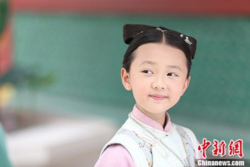 [热点新闻]《寂寞空庭》今晚开播 9岁童星葛莉莎出演(图)