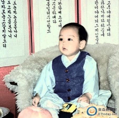 BIGBANG成员T.O.P童年照曝光大眼圆脸可爱(图)