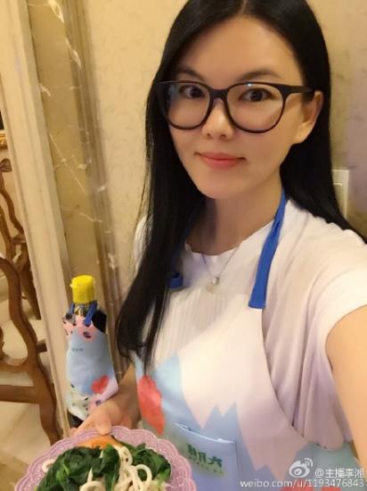 李湘为爱女煮面条宣布退出工作圈72小时(图)