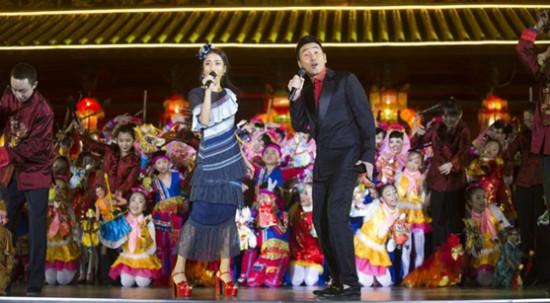 [热点新闻]吉克隽逸首登央视春晚 与沙宝亮合唱《快乐想念》