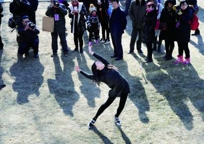 [热点新闻]艺考开锣8.7万人报考中戏等 文化课录取线将提高