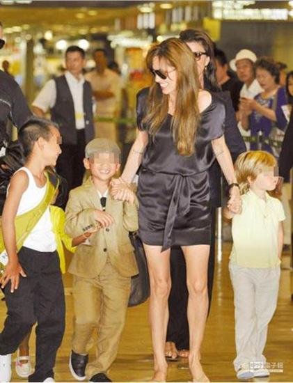 安吉丽娜·朱莉称到柬埔寨后找到当妈勇气