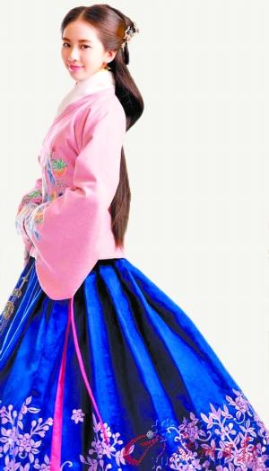 [热点新闻]当红小花旦演技比拼:赵丽颖可爱 刘诗诗扮相出彩