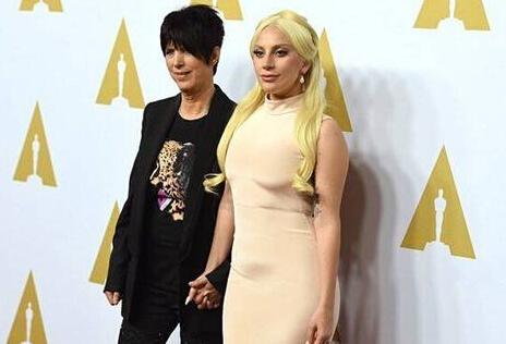 [热点新闻]Lady Gaga现身奥斯卡红毯 曾力挺莱昂纳多拿影帝