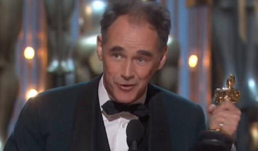 [热点新闻]马克·里朗斯获第88届奥斯卡金像奖最佳男配角(图)