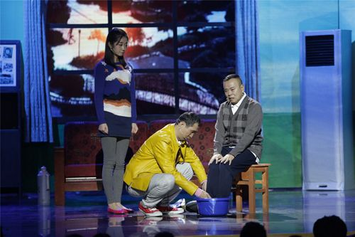 """[热点新闻]潘长江上《欢乐喜剧人2》""""叫板""""岳云鹏(图)"""
