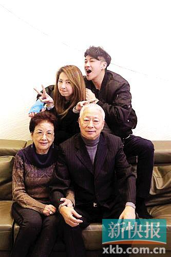 [热点新闻]何润东将在台北补办婚宴 目前太太未怀孕(图)