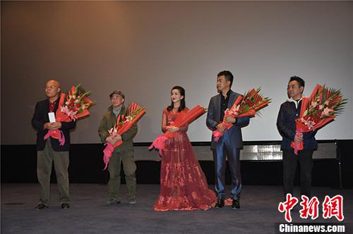 """[热点新闻]电影《轩辕大帝》将映 获评\""""为中华文明做了件大好事\"""""""