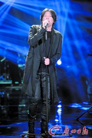 [热点新闻]老狼:唱歌没太多可比性 曾抗拒音乐用以比赛